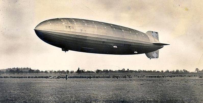 800px-Zeppelin_Postkarte_1936_a_zpse319d8d9