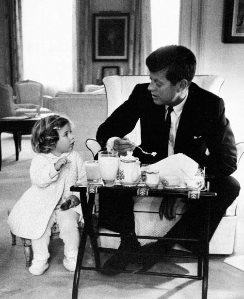 john_kennedy_eating_breakfast