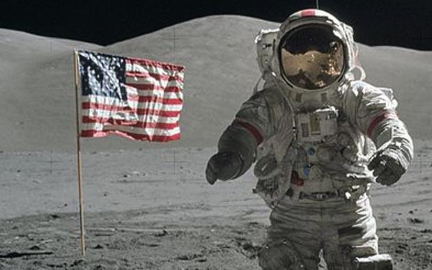 Apollo_17_moon_lan_2420722a