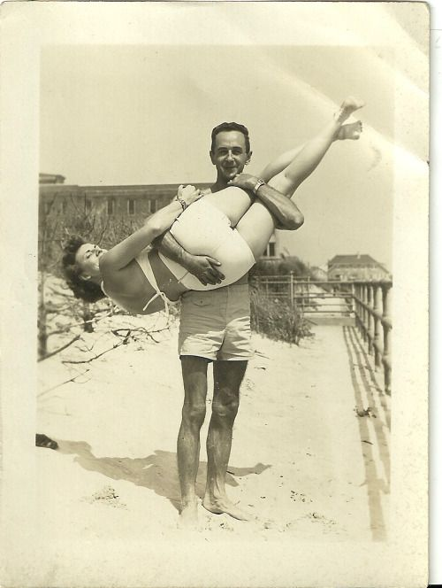 Man-and-girl-at-the-beach