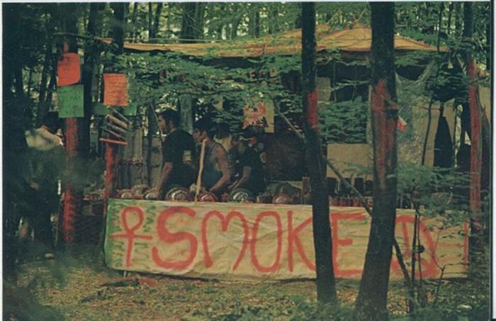 woodstock-gallery-smoking-tent