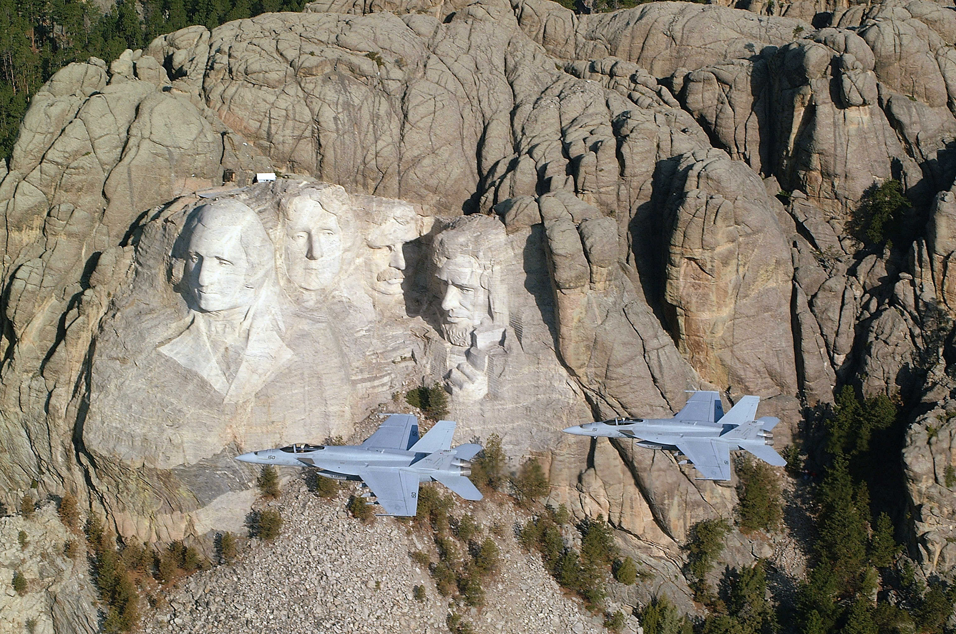 helicopter inside view with Mount Rushmore Might Be The Best Part About South Dakota on 100509 further Image2 likewise 175771649 besides Air Force One 0 additionally 20 Photos La Maison De Donald Trump Plus Belle Que La Maison Blanche Regardez Ce Luxe Insolent.
