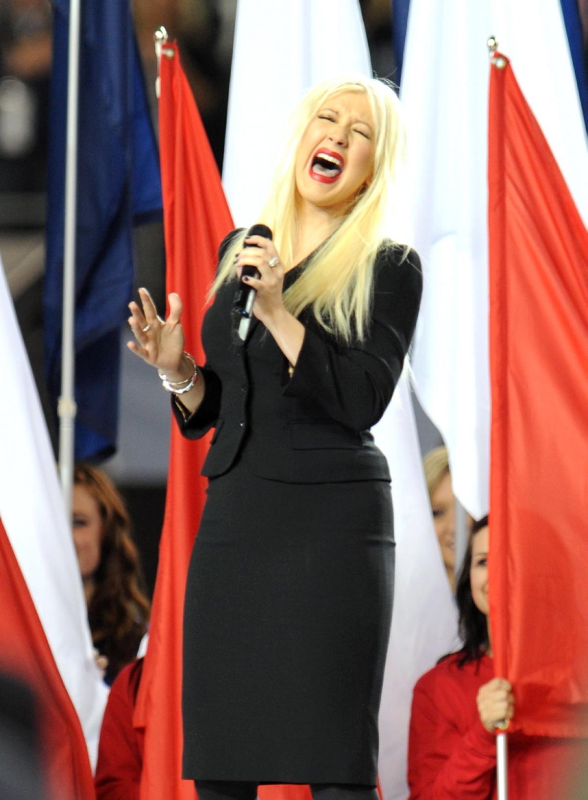 christina-aguilera-anthem-flub