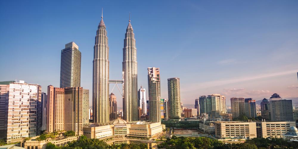 The Petronas Towers PHOTO: USAhoist