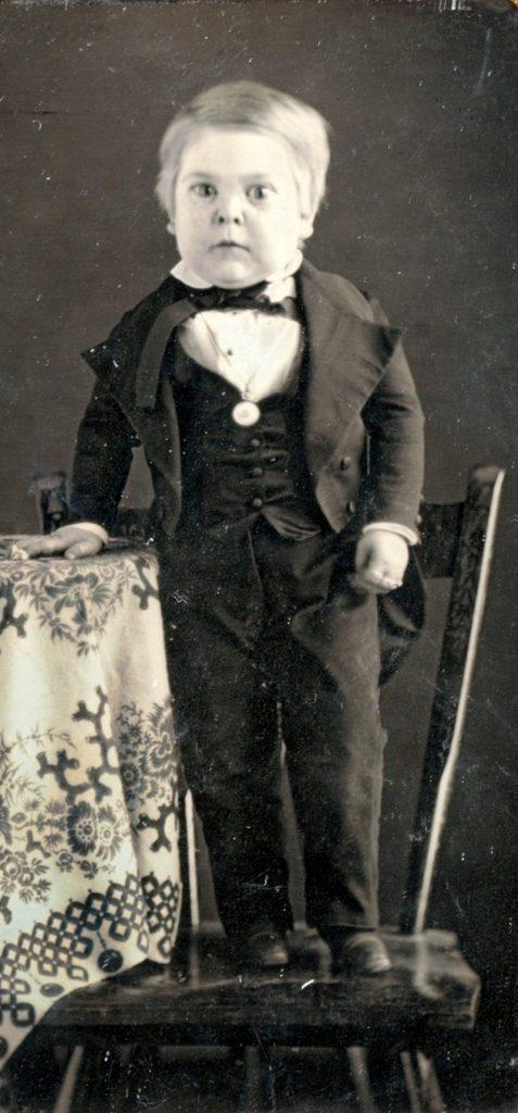 Charles Stratton aka Tom Thumb 10yrs old , 1848 PHOTO: wiki