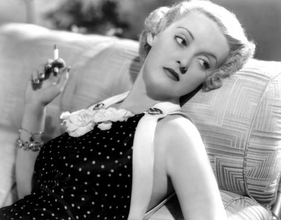 Bette-Davis-classic-movies-19919589-934-731
