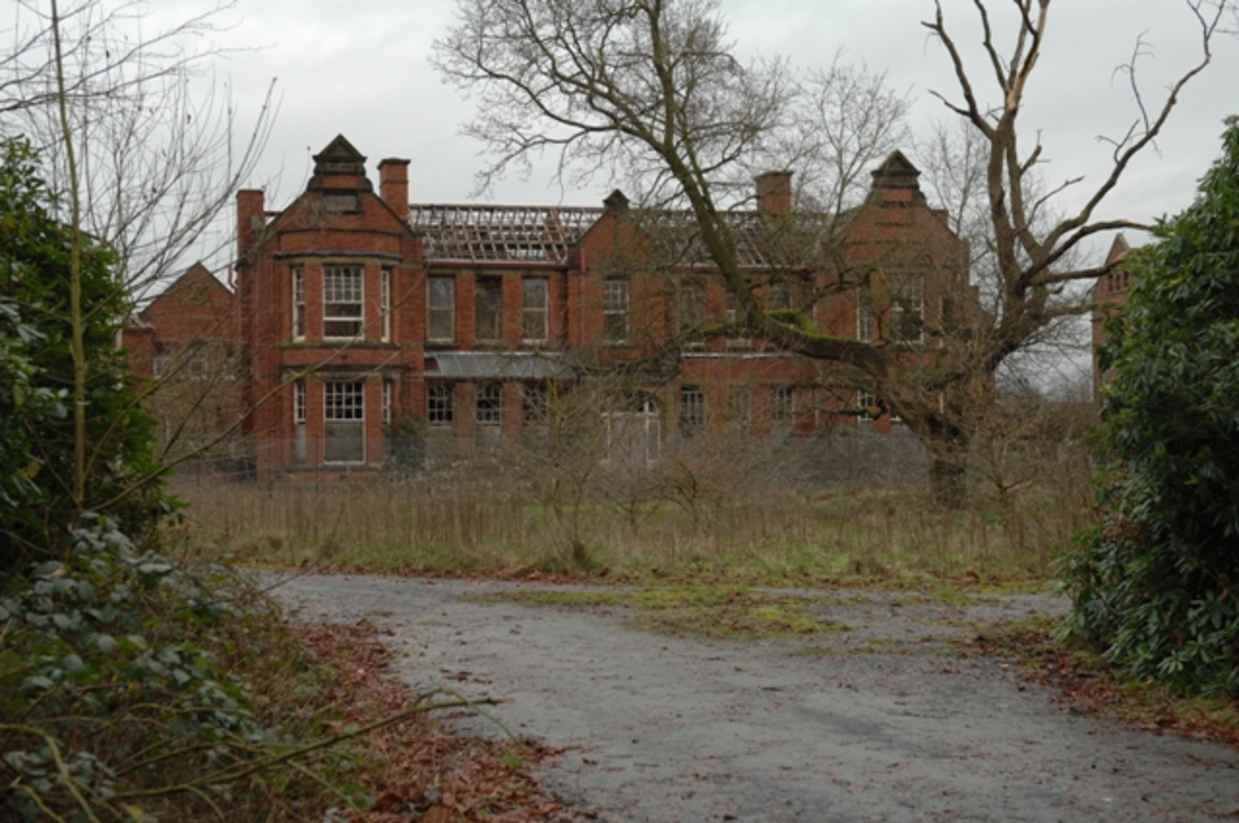15 Of The World 39 S Creepiest Abandoned Asylums