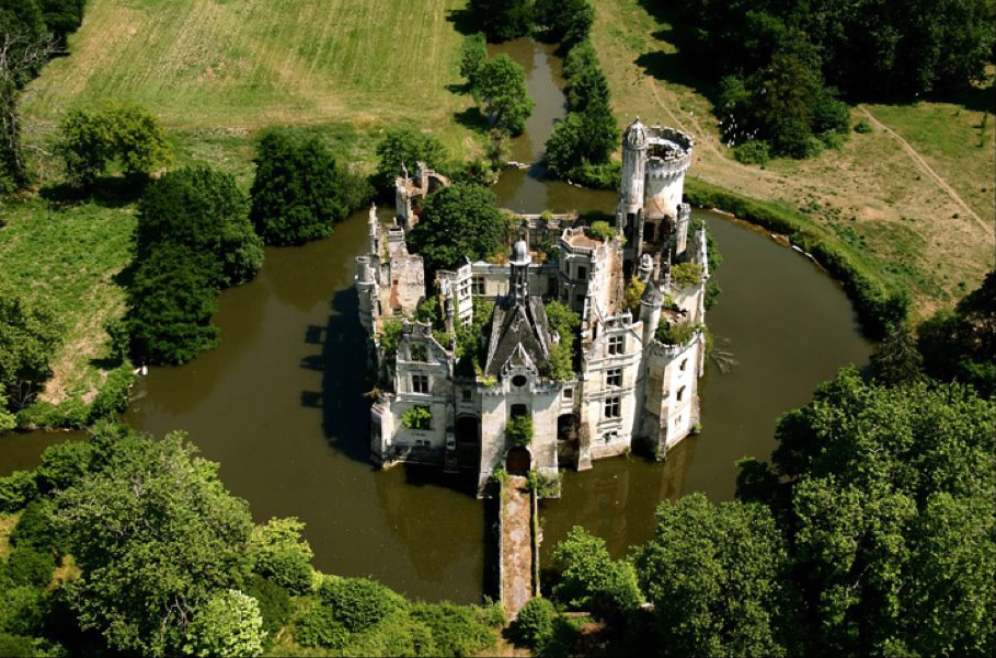 chateau-overview-cropped