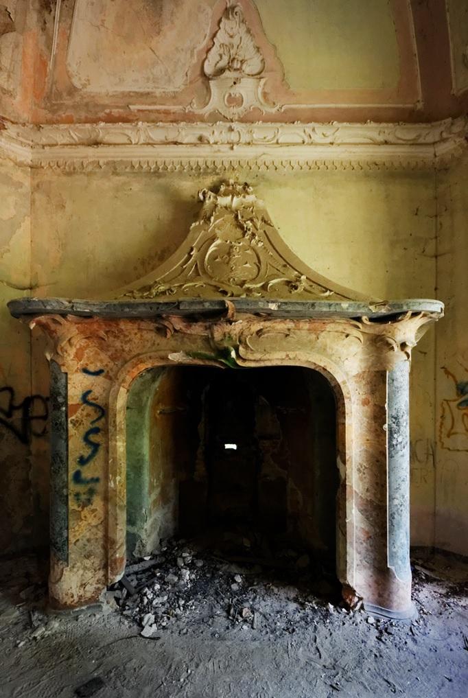 villa-de-vecchi-inside-3