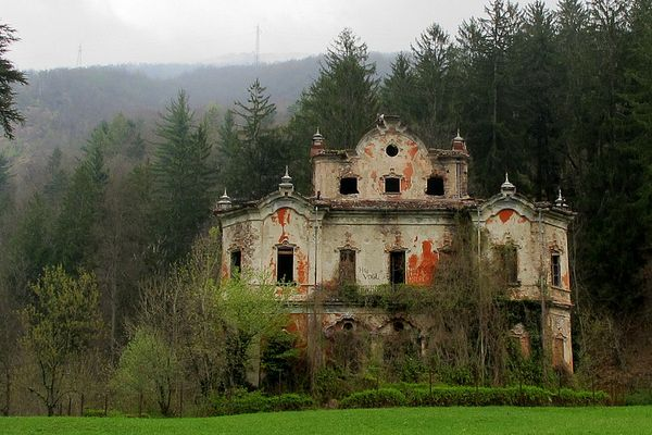 A Not So Charming Fairytale Abandoned Castles From All