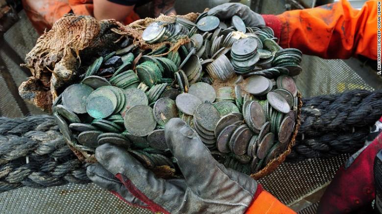 150415172927-12-dos-silver-coins-0415-exlarge-169