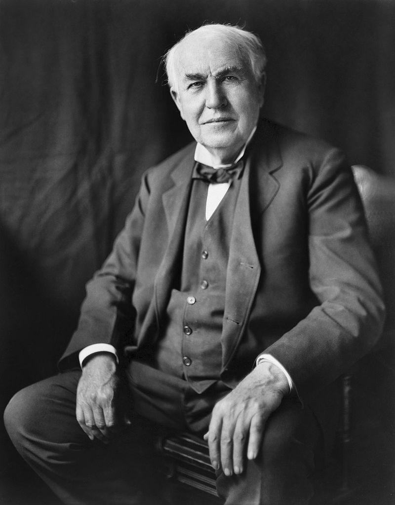 800px-Thomas_Edison2-1