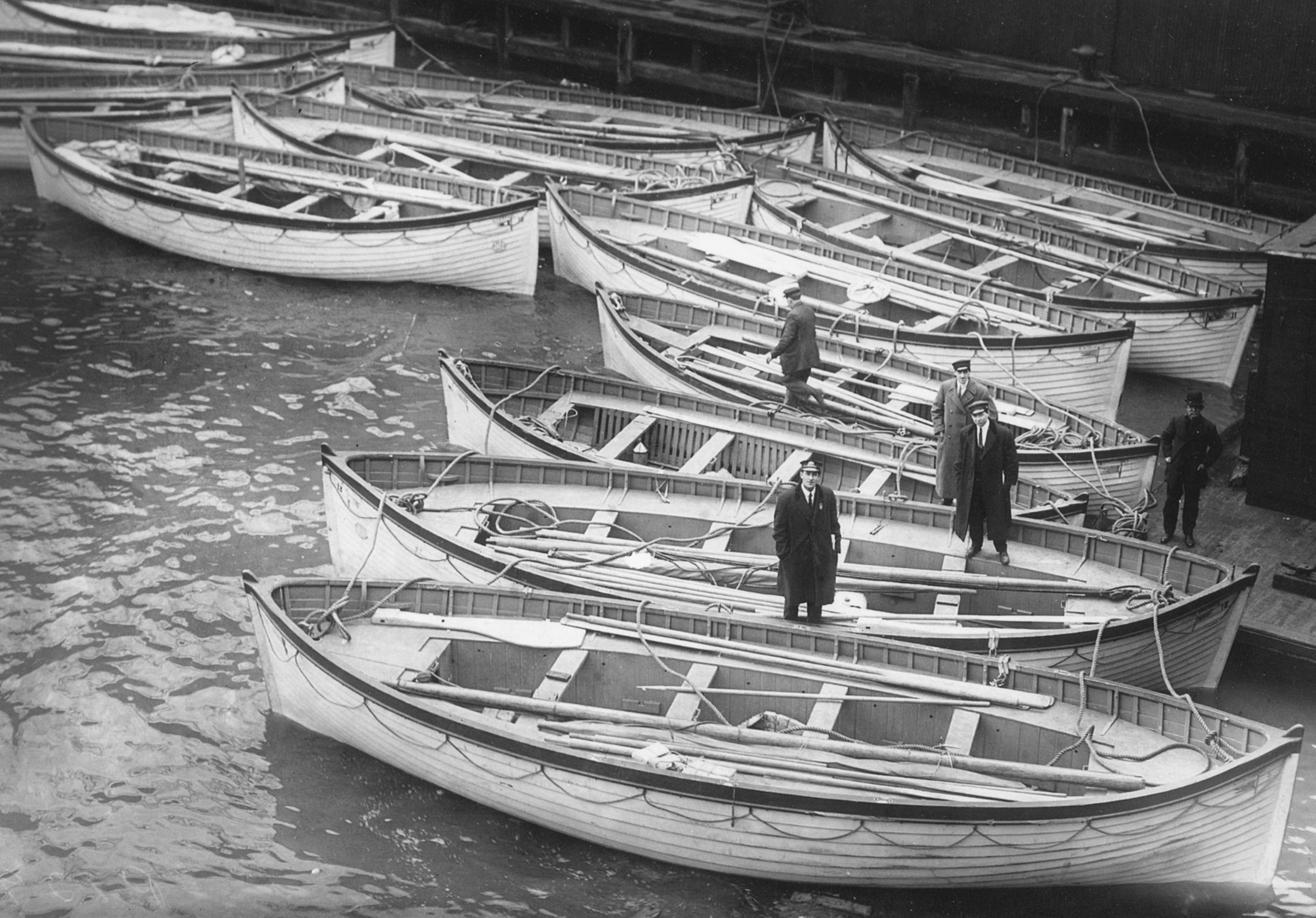 Titanic's_lifeboats_in_New_York