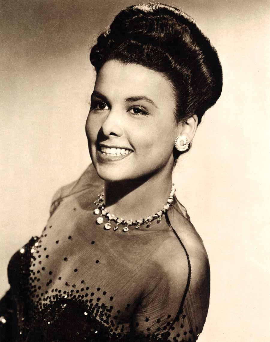 50 Stunningly Beautiful Actresses From The '50s, '60s, and ...