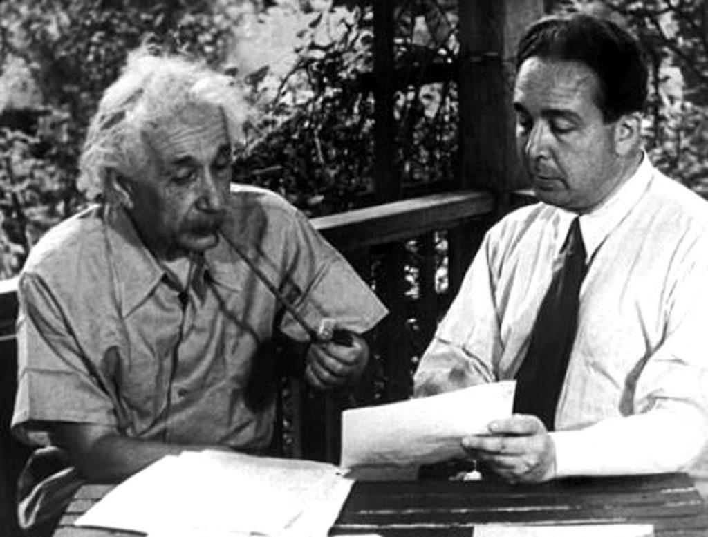 Einstein and Szilard  Photo: atomicheritage
