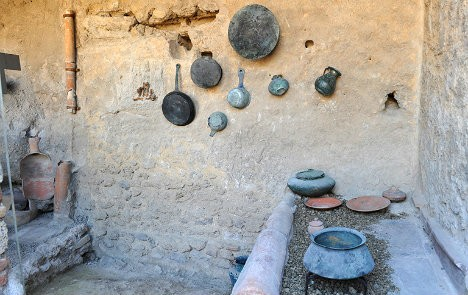 Fullonica di Stephanus' reconstructed kitchens in Pompeii. [PHOTO: thelocal.it]