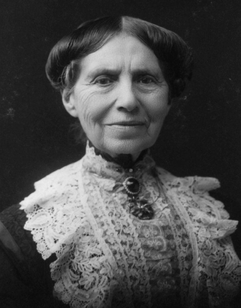 Clara_Barton_1904
