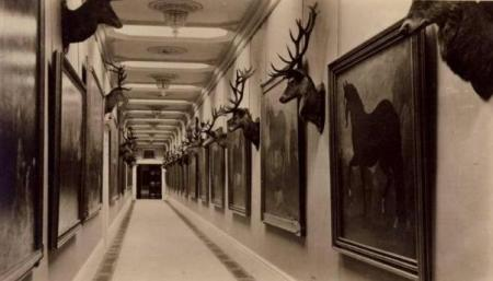 A corridor in Welbeck Abbey [PHOTO: theoddmentemporium.tumblr.com]