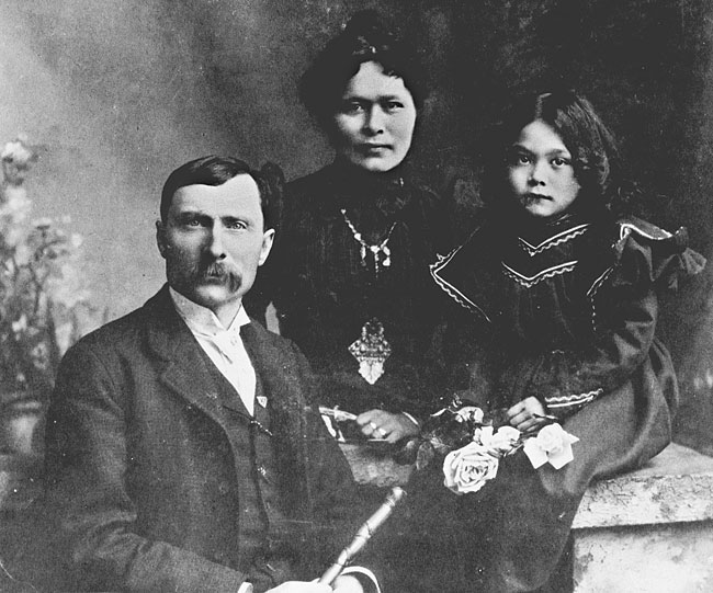 George Carmack posing with his wife and child Photo: source