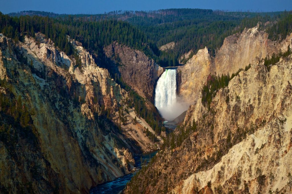 Gorgeous picture of the Yellowstone Grand Canyon and Lower Falls Photo: mendosa