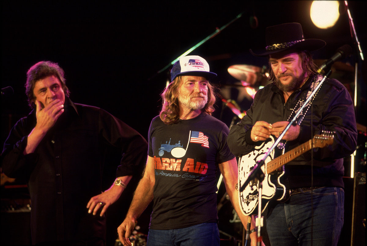 (L to R) Johnny Cash, Willie Nelson, and Waylon Jennings at the first Farm Aid Photo: modernfarmer