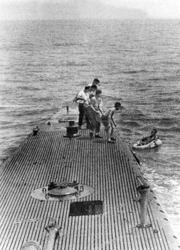 Bush being rescued by the Submarine after floating for four hours Photo: pinterst