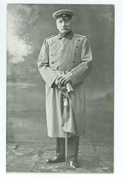 Voigt wearing the captains uniform Photo: bibliothek