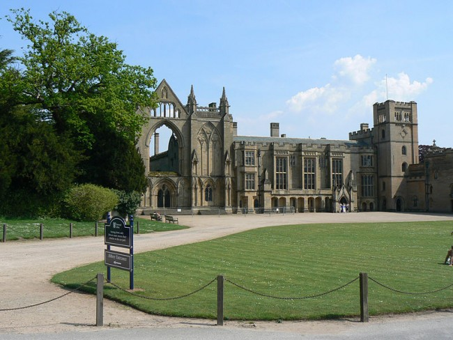 Newstead Abbey [PHOTO: theculturetrip.com]