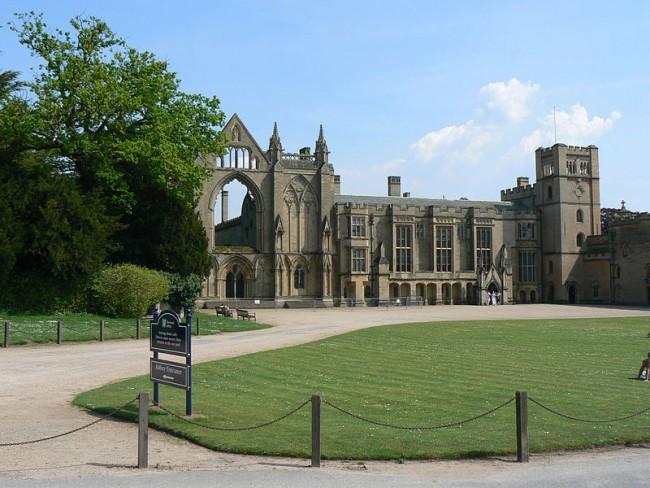 Newstead Abbey [PHOTO: theculturetrip.com]