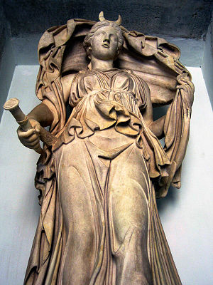 A statue of the goddess Luna. [PHOTO: wikimedia]