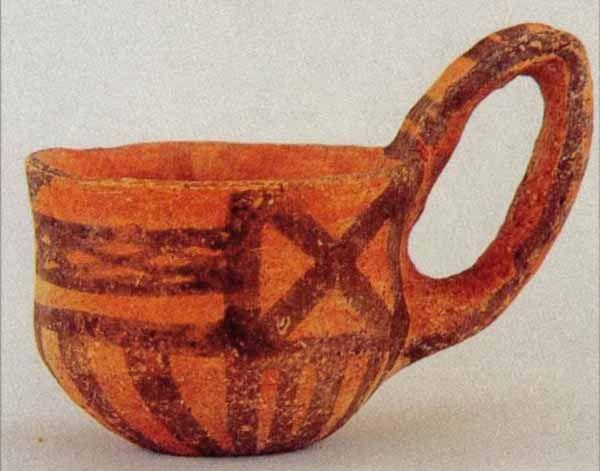 Castelluccio pottery. [PHOTO: pinterest]