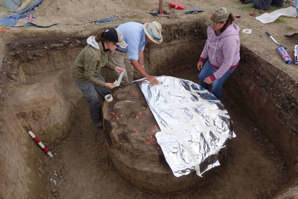 The roasting pit, still encased in plaster. [PHOTO: globalnews.com]