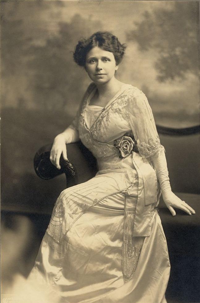 hattie_caraway_1914