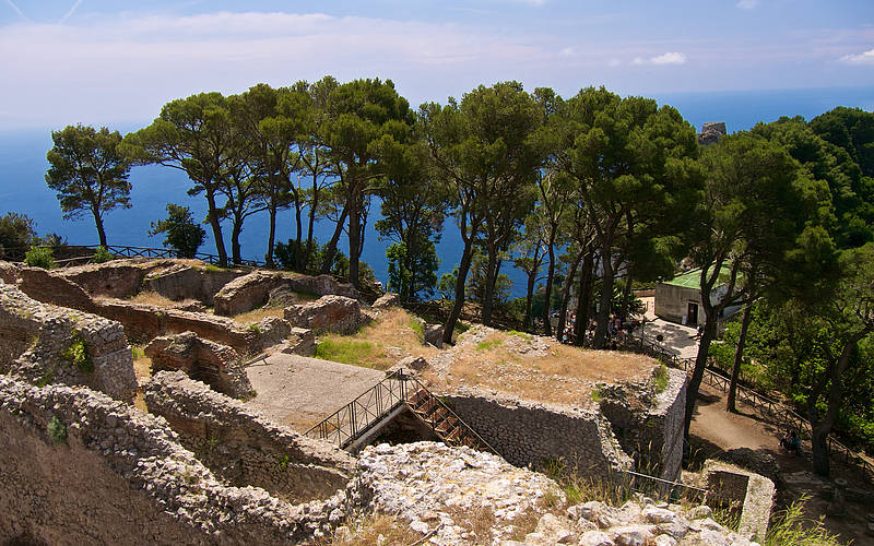Ruins of one of Tiberius' villas on Capri. [PHOTO: salsacdn.com]