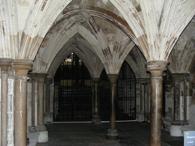 (The Chapter House where the theft occurred | source: tomhalltravel.com)