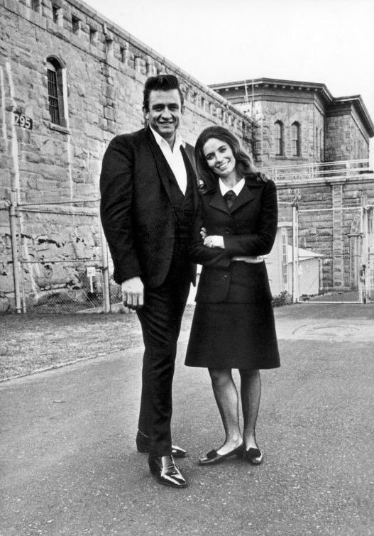 Johnny standing with his lovely wife June Carter Cash outside Folsom Prison Photo: pinterest