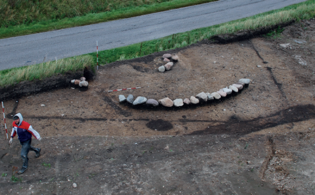 The grave discovered in Jutland. [PHOTO: cphpost.dk]