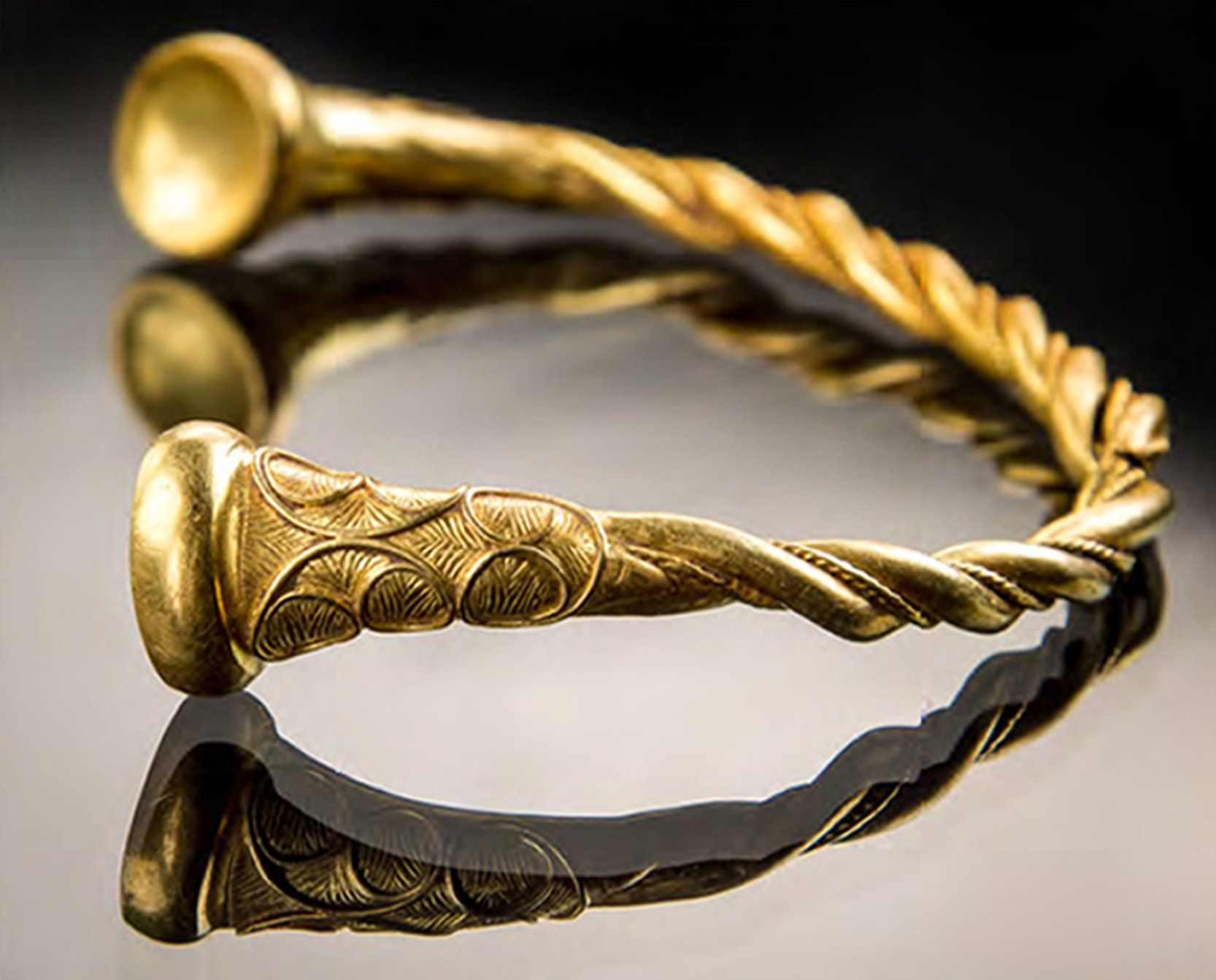 2500 YearOld Gold Jewelry Unearthed in England