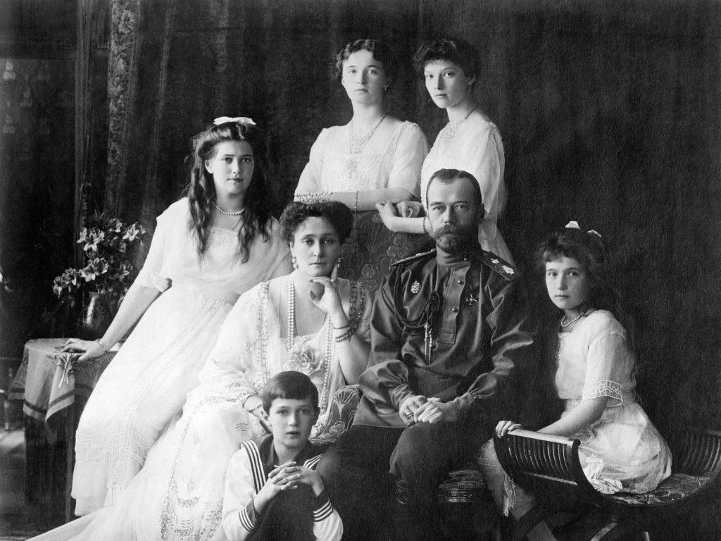 family_nicholas_ii_of_russia_ca-_1914